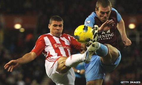 Jonathan Walters and Richard Dunne