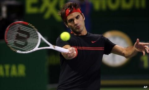 Roger Federer on his way to victory in Qatar against Andreas Seppi