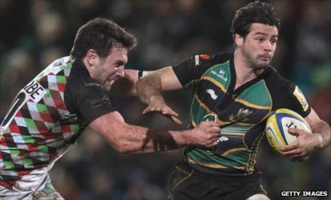 Ben Foden is tackled by Harlequins' Tom Guest