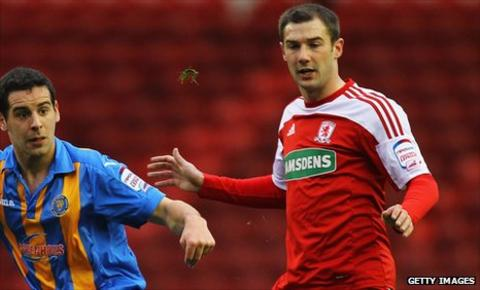 Kevin Thomson playing against Shrewsbury in the FA Cup