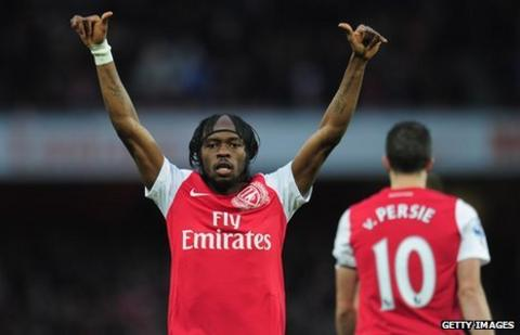 Gervinho (L) celebrates scoring for Arsenal against Wolverhampton Wanderers, 27 December, 2011