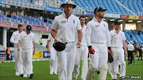 Andrew Strauss and the England team