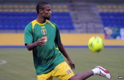 Seydou Keita trains ahead of Mali's opener with Guinea