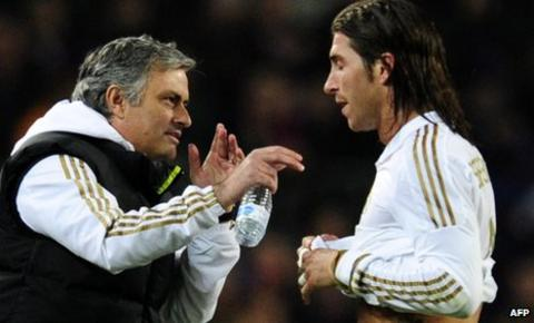 Jose Mourinho talks to Sergio Ramos after the Real Madrid defender's red card