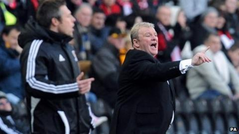 Hull boss Nick Barmby and Crawley manager Steve Evans