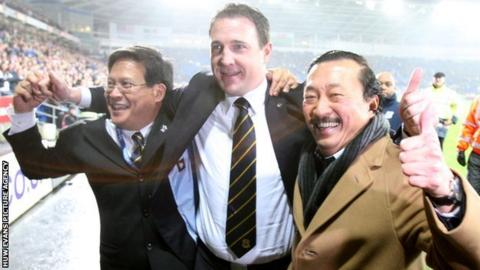Cardiff manager Malky Mackay flanked by chairman Dato Chan Tien Ghee and owner Tan Sri Vincent Tan Chee Yioun