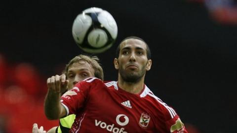 Mohamed Aboutrika (R)