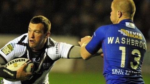 Widnes forward Steve Pickersgill holds off Wakefield Wildcats' Danny Washbrook