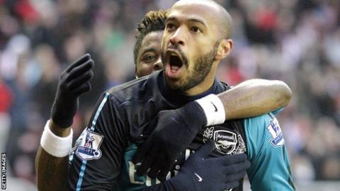 Thierry Henry celebrates against Sunderland