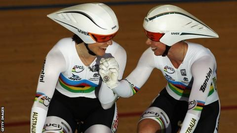 Anna Meares and Kaarle McCulloch celebrate their world record