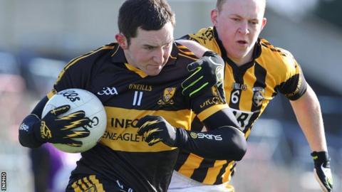 Dr Crokes' Daithi Casey and Crossmaglen's Danny O'Callaghan