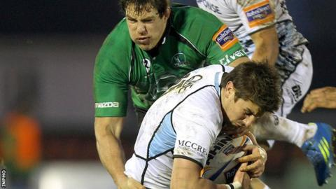 Connacht's Mike McCarthy and Glasgow's Peter Murchie