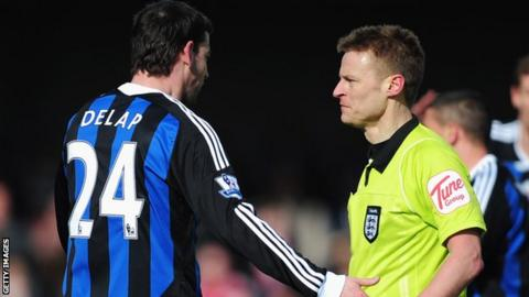 Referee Mike Jones sends off Rory Delap
