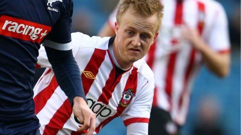 Ben Reeves joins Dagenham and Redbridge on loan