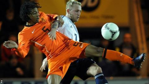 "Holland""s Patrick Vanaanholt and Scotland""s Jonathon Russell"