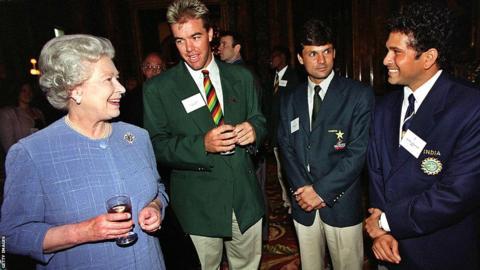 Queen Elizabeth II, Zimbabwe's Heath Streak, Pakistan's Moin Khan and India's Sachin Tendulkar