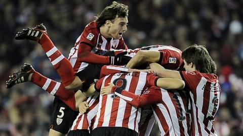 Bilbao celebrate a Susaeta goal