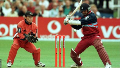 Rahul Dravid in action for Kent, watched by Yorkshire wicketkeeper Richard Blakey
