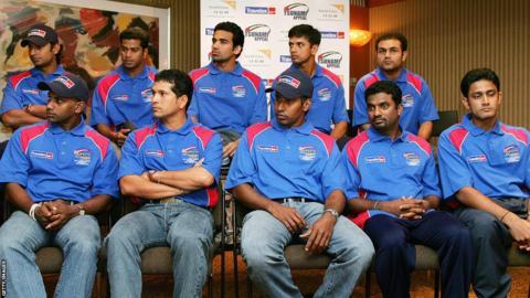 Back row (left to right): Kumar Sangakkara, Alok Kapali, Zaheer Khan, Rahul Dravid, Virender Sehwag. Front row (left to right): Sanath Jayasuriya, Sachin Tendulkar, Chaminda Vaas, Muttiah Muralitharan, Anil Kumble