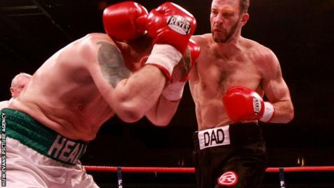 Enzo Maccarinelli made short work of Ciaran Healy in February