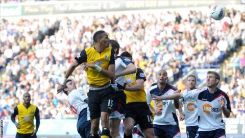 Steven N'Zonzi of Blackburn scores their first goal