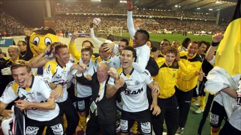Lokeren celebrate their cup win on 24 March