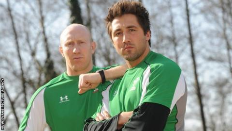 Tom Shanklin and Gavin Henson in 2009