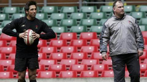 Gavin Henson with former Wales coach Mike Ruddock
