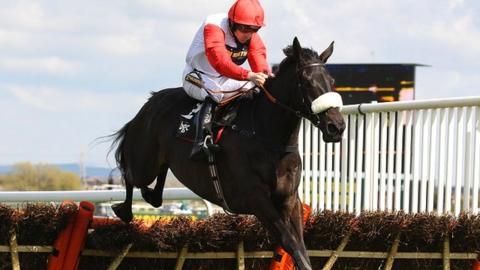 Big Buck's ridden by Ruby Walsh