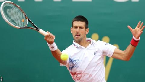 Novak Djokovic in action against Seppi