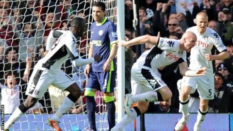 Fulham celebrate Philippe Senderos's winner