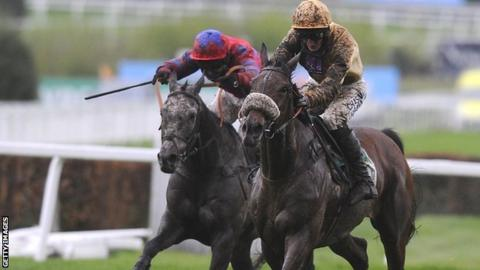 Tidal Bay (right) beat Roalco De Farges by 15 lengths