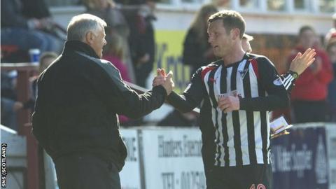 Jim Jefferies congratulates Pars scorer Andy Kirk