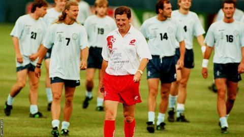 Roy Hodgson leads training at Switzerland