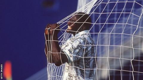 Rashidi Yekinib celebrates scoring against Bulgaria at the World Cup in USA '94