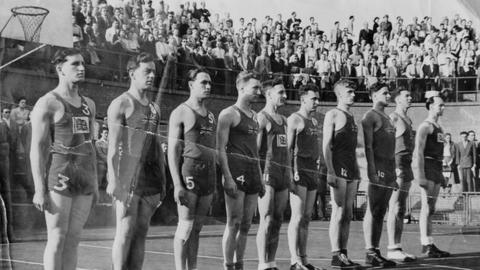 GB's 1948 Basketball team