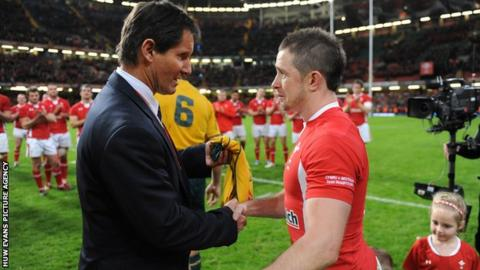 Robbie Deans and Shane Williams