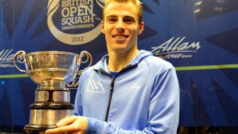 Nick Matthew with trophy