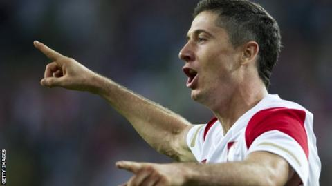 Poland striker Robert Lewandowski