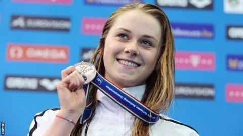 Sycerika McMahon shows off her medal in Hungary