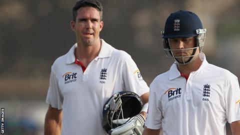Jonathan Trott and Kevin Pietersen toil for England in Sri Lanka