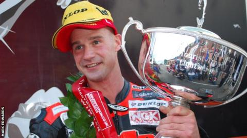 Ryan Farquhar dominated Saturday's final race of the TT meeting