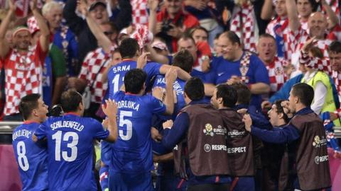 Croatia celebrate on way to victory over Ireland