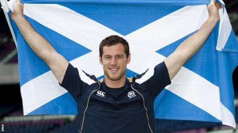 Dutch winger Tim Visser will make his Scotland debut on Saturday