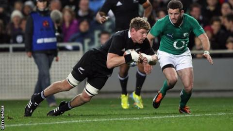 Adam Thomson goes over for a try against Ireland