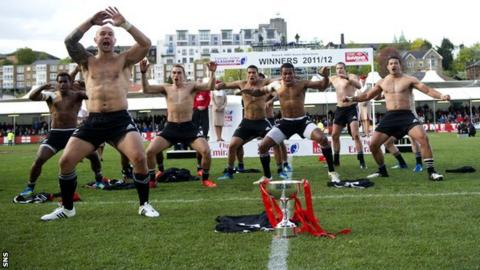 New Zealand celebrate winning in Glasgow