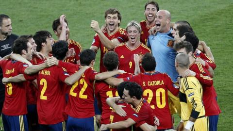 Spain players celebrate