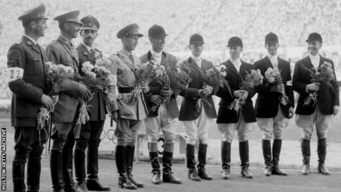 Medallists, Helsinki Olympics. Duggie Stewart is fourth from right