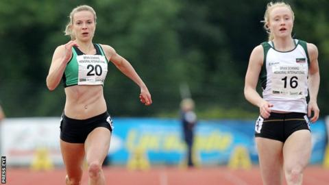 Joanna Mills (left) finished third in the 200m behind winner Amy Foster (right)