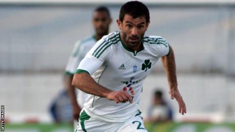 Giorgos Karagounis in action for Panathinaikos
